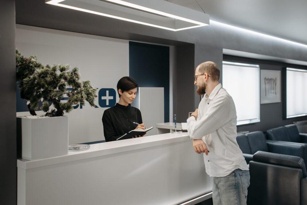 Как администратор клиники влияет на результативность
